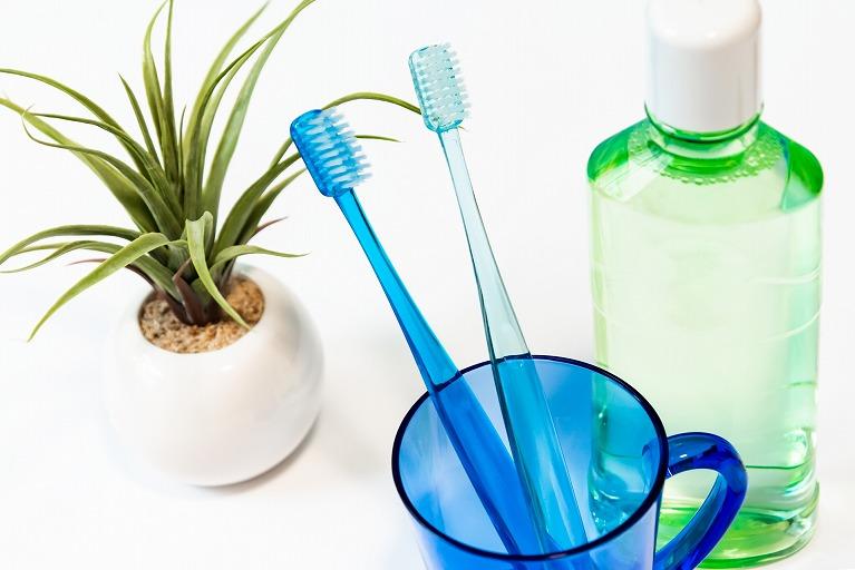 むし歯・歯周病予防は歯磨きだけでは不完全
